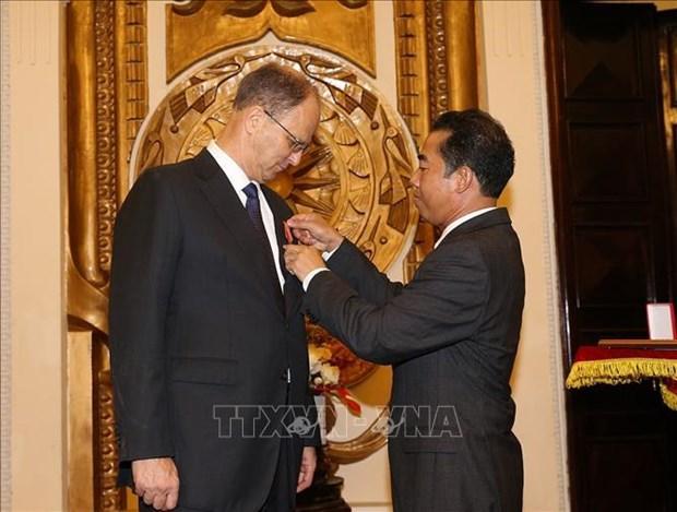 德国驻越南大使被授予友谊勋章 hinh anh 1