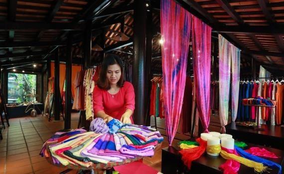 丝绸与土锦文化节在会安市举行 hinh anh 2