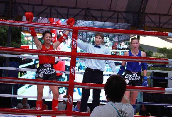 越南泰拳女选手裴燕离夺得2019年世界女子泰拳比赛越南第二枚金牌 hinh anh 1