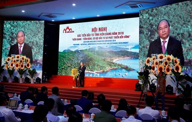越南政府总理阮春福:坚决不能以破坏环境和自然景观换取一时的发展 hinh anh 1