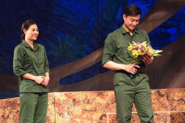 河内戏剧院剧目《双眼》参加韩国国际戏剧节 hinh anh 2