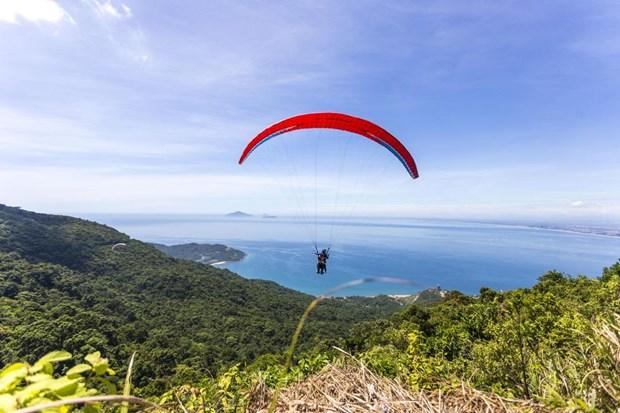 同奈省测站山被评为全国最理想的滑翔伞基地 hinh anh 2