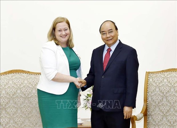 越南政府总理阮春福会见爱尔兰和欧盟客人 hinh anh 1