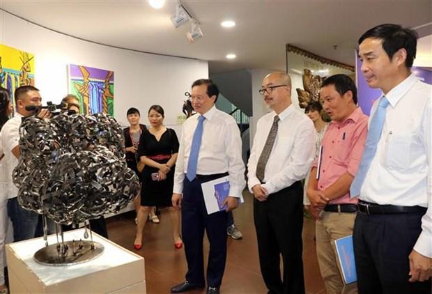 首届国际美术创作及交流展览活动在岘港市开幕 hinh anh 3