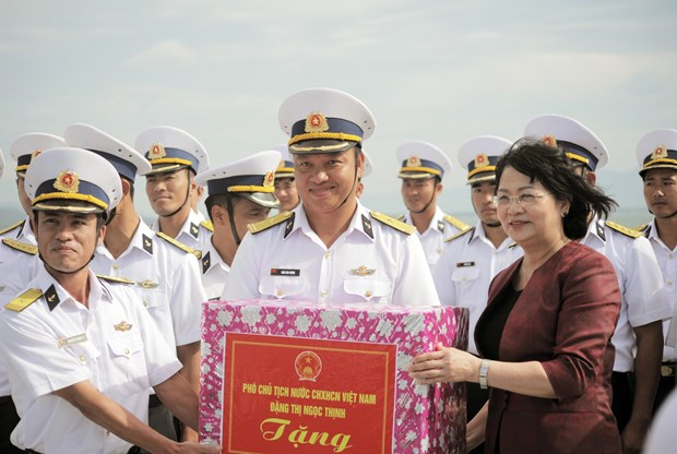 越南海军坚守岗位 捍卫祖国海洋领土主权 hinh anh 2