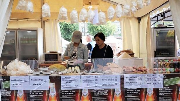 富有越南传统文化特色的啤酒空间亮相柏林国际啤酒节 hinh anh 1