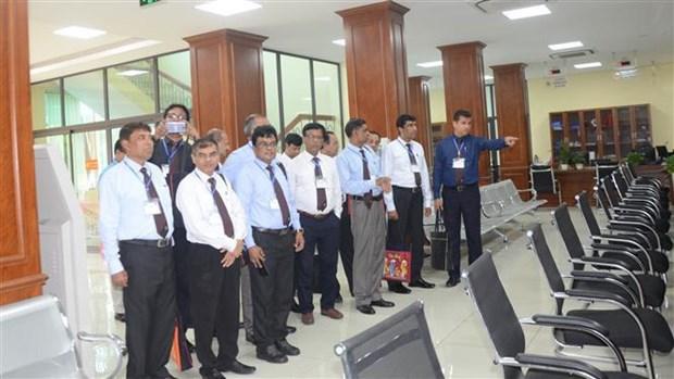 孟加拉国高级干部代表团了解越南河南省投资促进工作的经验 hinh anh 1