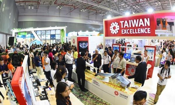 2019年中国台湾产品展销会在河内举行 hinh anh 1