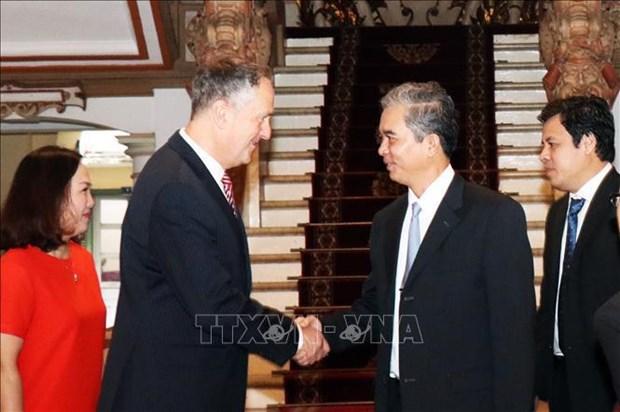 胡志明市和美国VISA集团合作建立在线支付系统 hinh anh 1