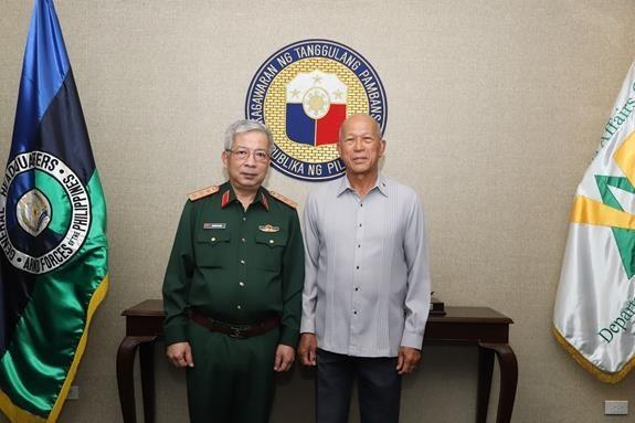 越菲两国深化防务合作 hinh anh 1