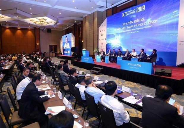 越南信息通信技术论坛:在数字化转型过程中集中发展4类技术企业 hinh anh 1