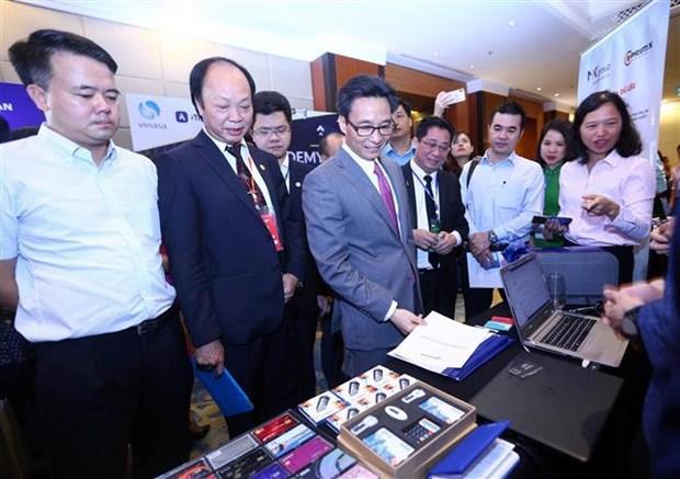 越南信息通信技术论坛:在数字化转型过程中集中发展4类技术企业 hinh anh 2