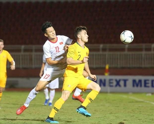 2019年东南亚U18足球锦标赛:越南队以1比4输给澳大利亚队 hinh anh 1