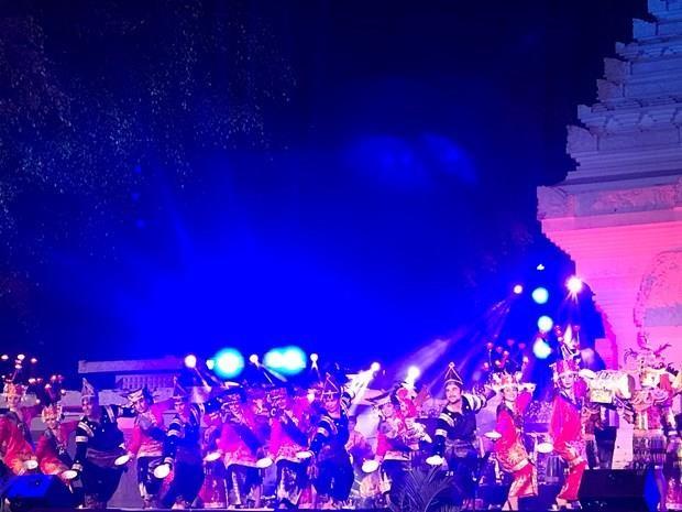 2019年度印尼艺术与文化奖学金培训框架下艺术汇演活动闭幕 hinh anh 1