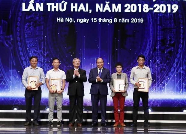 政府总理阮春福:发挥新闻媒体在反腐倡廉工作中的作用 hinh anh 1