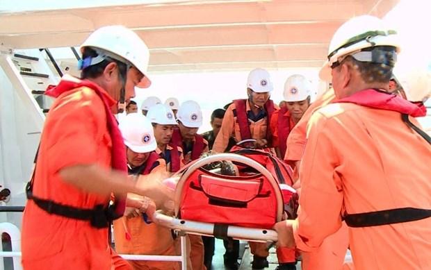 致力成为一个海洋强国、靠海致富的越南:渔民出海捕捞作业的坚强后盾(第五篇) hinh anh 3