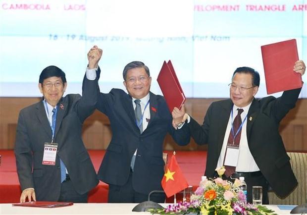 柬老越三国国会对外委员会第七次会议发表联合声明 hinh anh 2