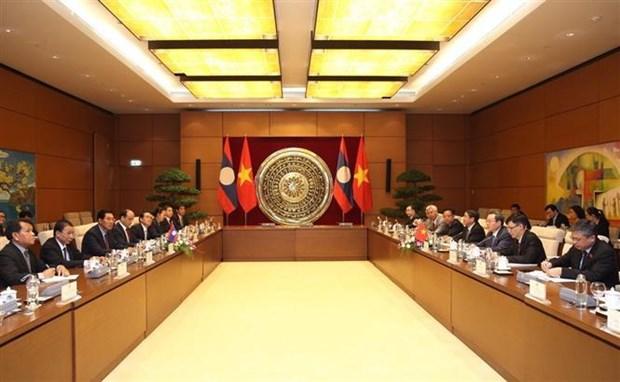 越南国会与老挝国会深化合作关系 hinh anh 1