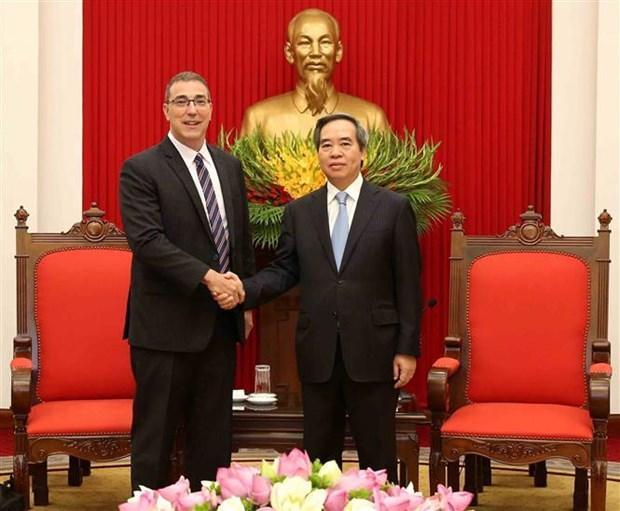 越共中央经济部部长阮文平会见国际货币基金组织新任驻越办事处首席代表 hinh anh 1