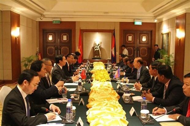 越共中央办公厅高级代表团对柬埔寨进行工作访问 hinh anh 2
