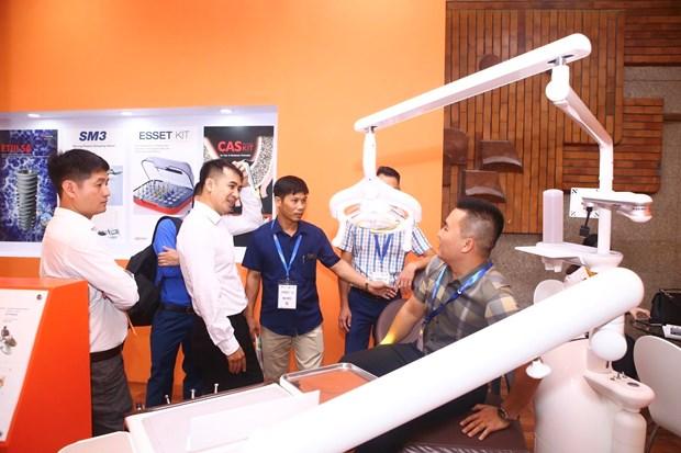 第12届国际口腔颌面外科学术会议和展览会在河内开幕 hinh anh 2