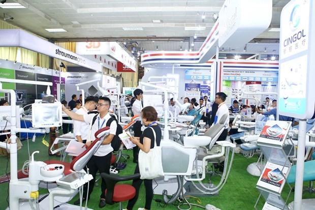第12届国际口腔颌面外科学术会议和展览会在河内开幕 hinh anh 1