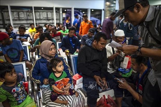 印尼东爪哇省一渡轮失火已致4人死亡30多人失踪 hinh anh 2