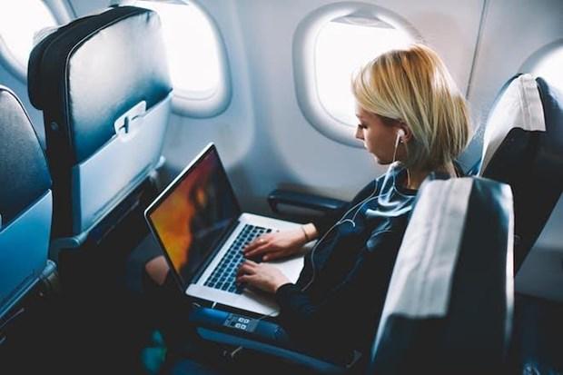 新航禁止乘客携带部分型号苹果MacBook Pro登机 hinh anh 1