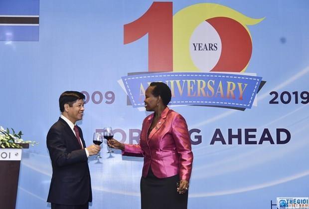 越南与博茨瓦纳建交10周年纪念典礼在河内举行 hinh anh 1
