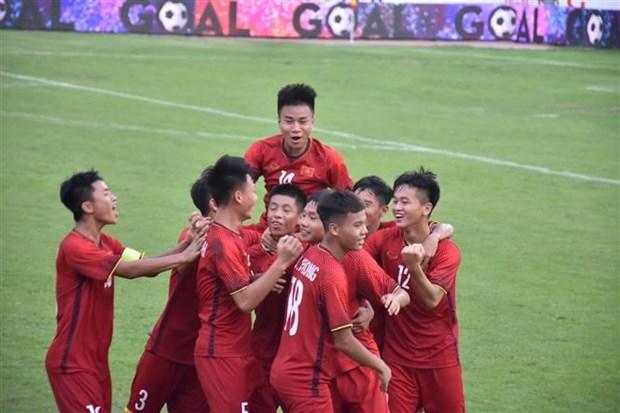 2019年Acecook杯U15国际男足比赛开战 hinh anh 2