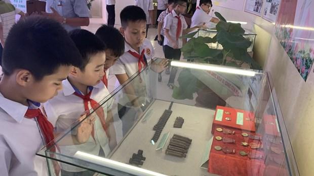 胡志明主席遗嘱执行50周年图片展在海阳省举行 hinh anh 1