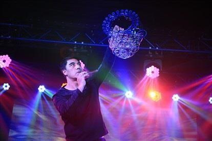 世界顶级泡泡艺术家让越南儿童感受到艺术的快乐 hinh anh 2