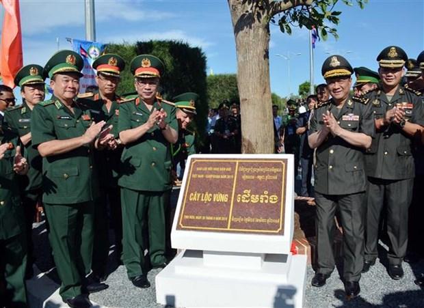 越柬边境友好文化馆在安江省落成 hinh anh 2