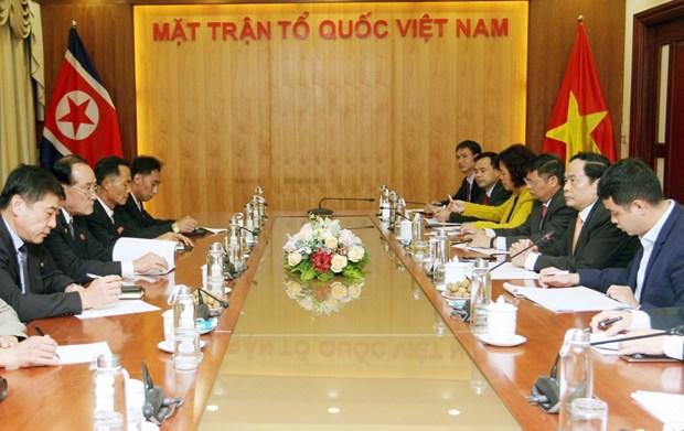 朝鲜职业同盟代表团访越有助于加深两国工会组织的团结友谊 hinh anh 2