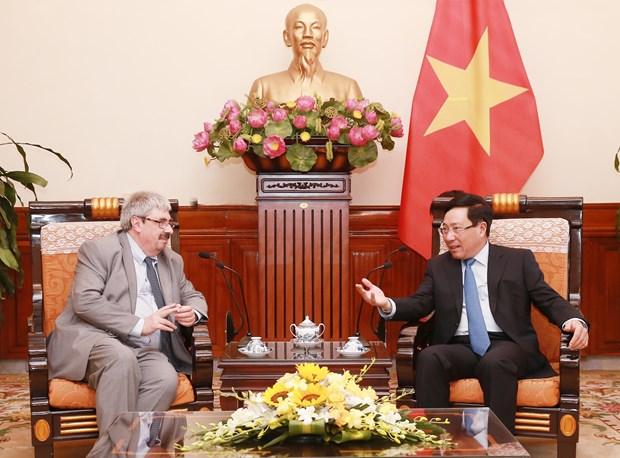 越南与乌拉圭第三次副外长级政治磋商在河内举行 hinh anh 1