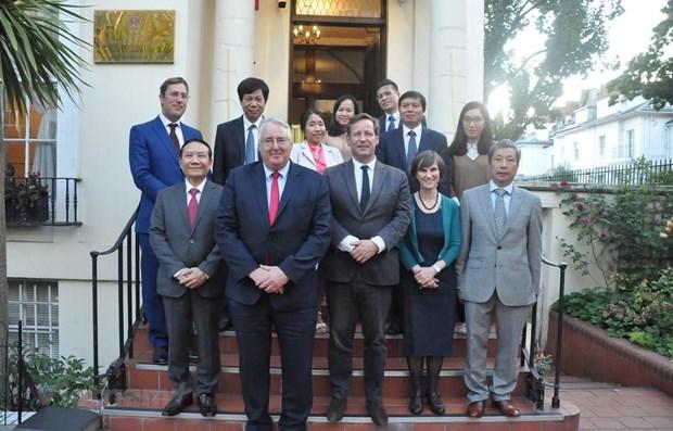 越南与英国多方面合作关系的发展前景广阔 hinh anh 1