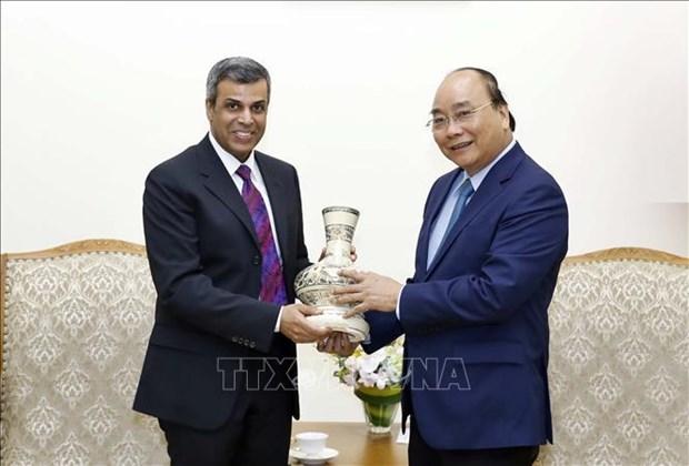 越南政府总理阮春福会见科威特石油部长法迪勒 hinh anh 1