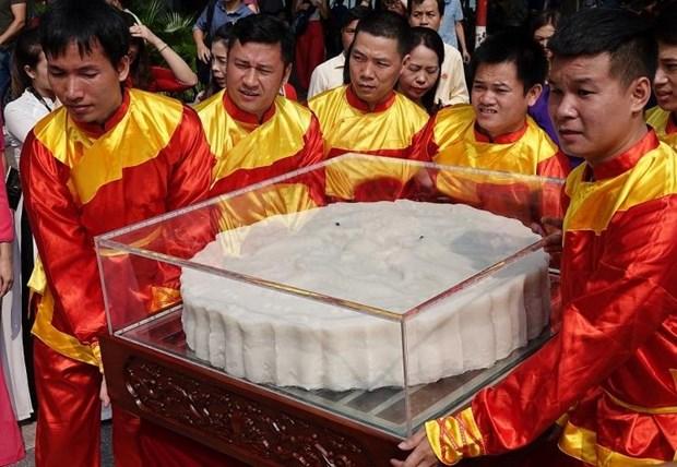 一对超大的中秋月饼破越南纪录 hinh anh 3