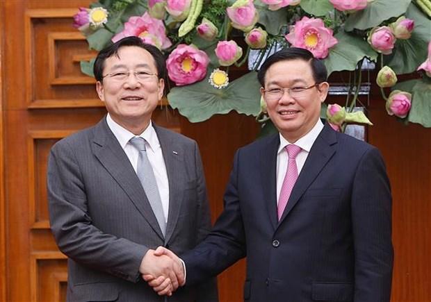 政府副总理王廷惠:越南对环境友好型的高科技项目提供特殊优惠政策 hinh anh 1