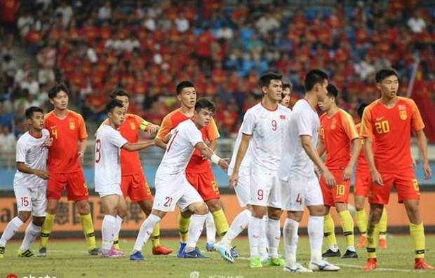 越南U22-中国U22友谊赛 2-0,进灵梅开二度 hinh anh 1