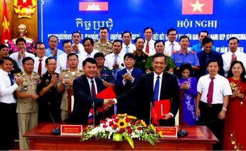 越南坚江省与柬埔寨白马省加强合作 hinh anh 1