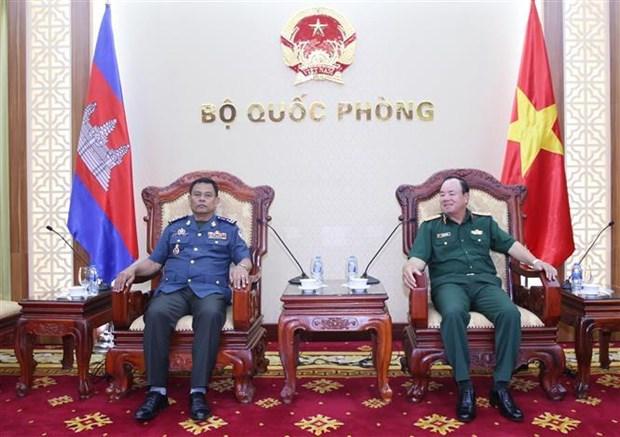 越柬军队进一步加大合作力度 hinh anh 1