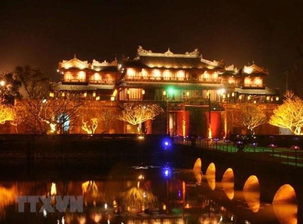 卢森堡协助越南顺化市安装Led街道路灯照明系统 hinh anh 1