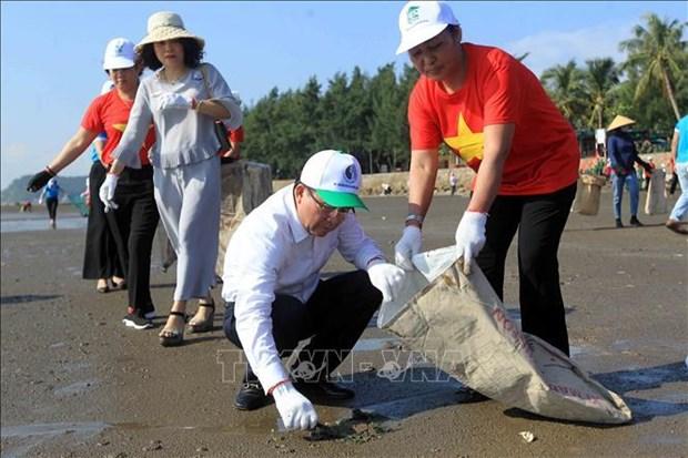"""越南积极响应""""2019年让世界清洁起来""""运动 hinh anh 2"""