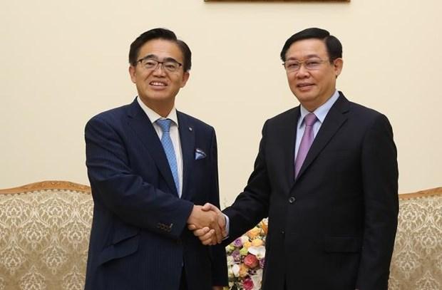 越南政府副总理王廷惠会见日本爱知县知事大村秀章 hinh anh 1