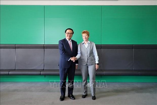 越南共产党与德国左翼党第二次政策对话会在德国召开 hinh anh 2