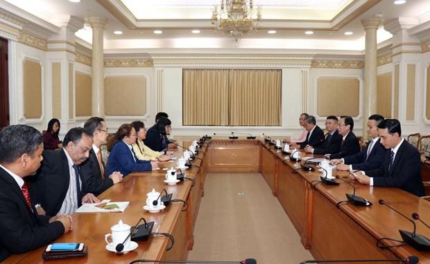 胡志明领导会见马来西亚政府原产业部部长郭素沁 hinh anh 1