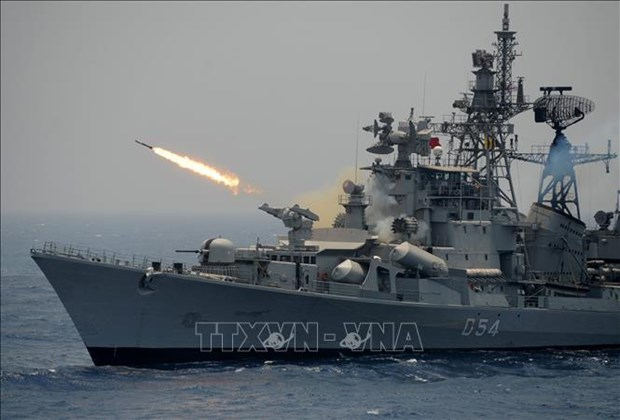 印度与马来西亚开展海上联合军事演习 hinh anh 1