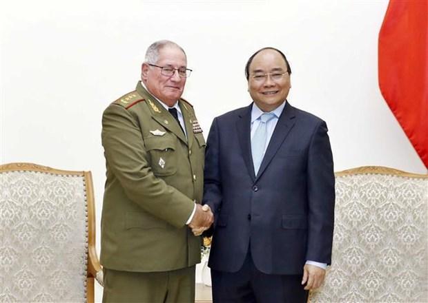 越南政府总理阮春福会见古巴革命武装力量部第一副部长兼总参谋长 hinh anh 1