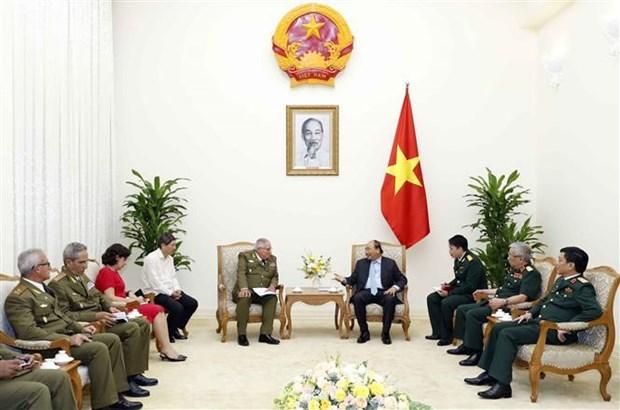 越南政府总理阮春福会见古巴革命武装力量部第一副部长兼总参谋长 hinh anh 2